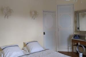 2-chambre-Domaine-de-la-Poignardiere
