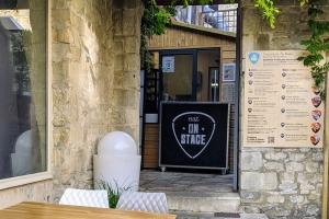4-Eat-On-Stage-Pierre-Lefebvre-Caen