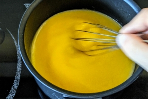 4-Remuer-lemon-curd