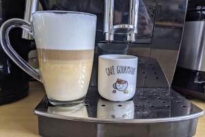 3-Delonghi-Magnifica-S-cafe-cappuccino